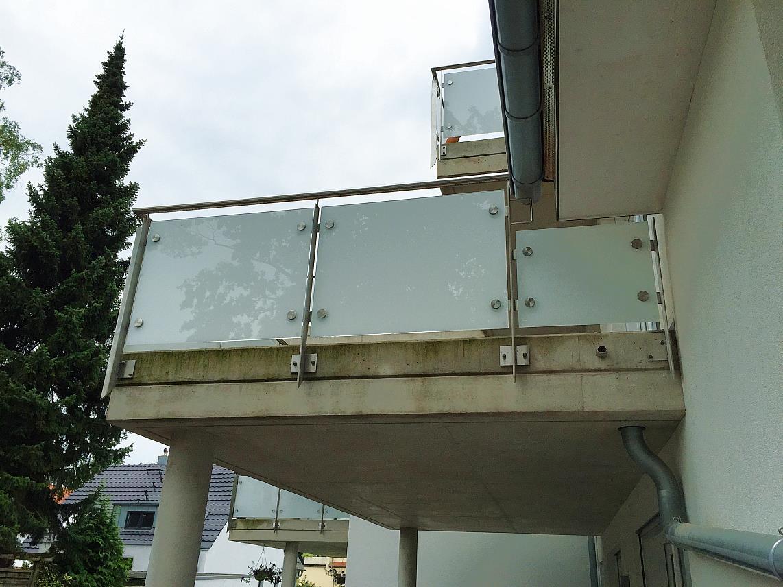 nachträglich hinzugefügte Balkonebenen